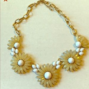 Jewelry - Flower necklace